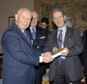 Il presidente della Repubblica Carlo Azelio Ciampi e l'archeologo Salvatore Settis
