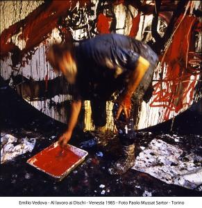 Emilio Vedova, al lavoro ai dischi (1985)