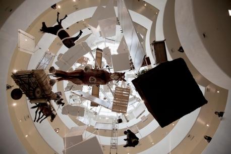 Maurizio Cattelan, installazione al MoMa
